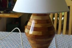 Lampe i bøg og mahogni