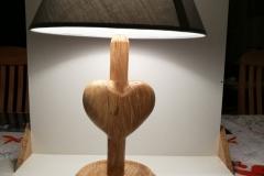 Lampe i asketræ